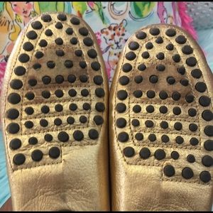 Lilly Pulitzer Shoes - Preloved metallic gold Lilly Pulitzer flats